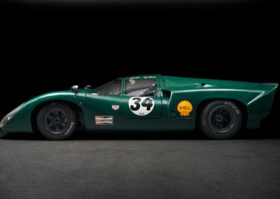 DHG Racing Lola T70 MKIIIB 1