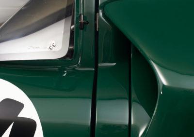 DHG Racing Lola T70 MKIIIB 12