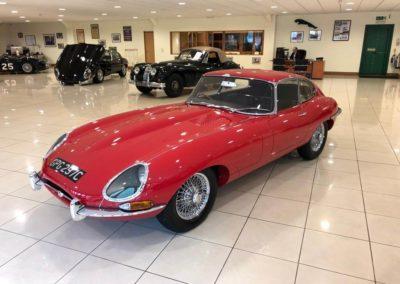 Jaguar E Type FHC 1