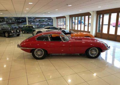 Jaguar E Type FHC 2